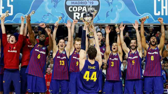 El Barça Lassa revalida el título de campeón de Copa con polémica final
