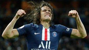 Cavani, feliz tras marcar un gol en el partido de Ligue 1 ante el Lyon