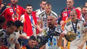 Los jugadores del equipo macedonio celebraron a lo grande el título de la Champions