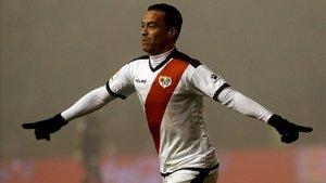 Raúl De Tomás celebrando un gol esta temporada