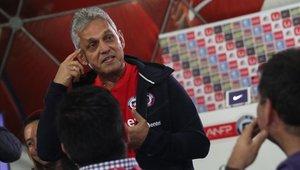 Reinaldo Rueda fue cuestionado por no llamar a Eduardo Vargas a la selección