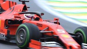 Vettel, por delante de Leclerc en el P2