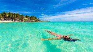 Detienen a una turista en Filipinas por llevar un bikini demasiado erótico