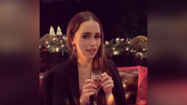 Emilia Clarke, preparada para la Navidad