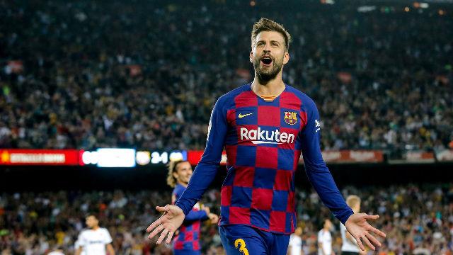Gerard Piqué se vistió de delantero centro para marcar el tercero del Barça
