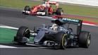 Hamilton logra en Silverstone su sexta pole de la temporada