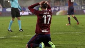 Kike García apunta a la titularidad por la baja de Sergi Enrich