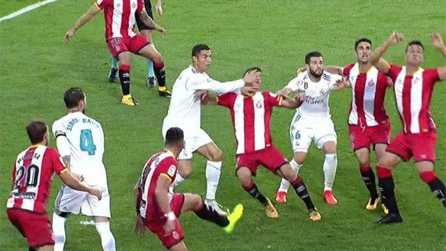 LALIGA | Girona - Real Madrid (2-1): El manotazo de Cristiano Ronaldo a Pere Pons
