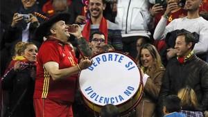 Manolo el del Bombo estará en el Rusia - España