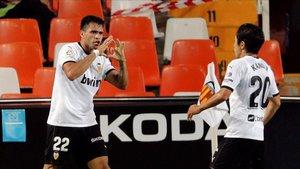 Maxi Gómez y Kang-In fueron una pesadilla para la zaga del Levante.