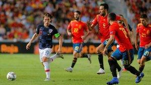 El partido de ida se resolvió con un contundente 6-0 para España