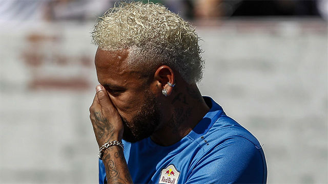 Spanish authorities jeopardize Neymar's return to Barcelona