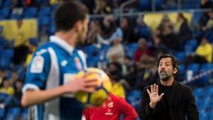 Quique Sánchez asistió impotente al hundimiento del Espanyol en Las Palmas