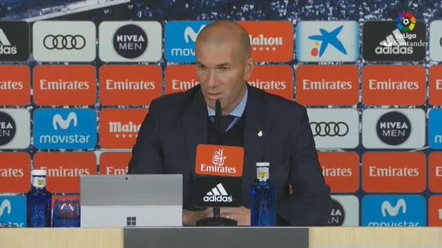 Zidane habló de la suplencia de Isco
