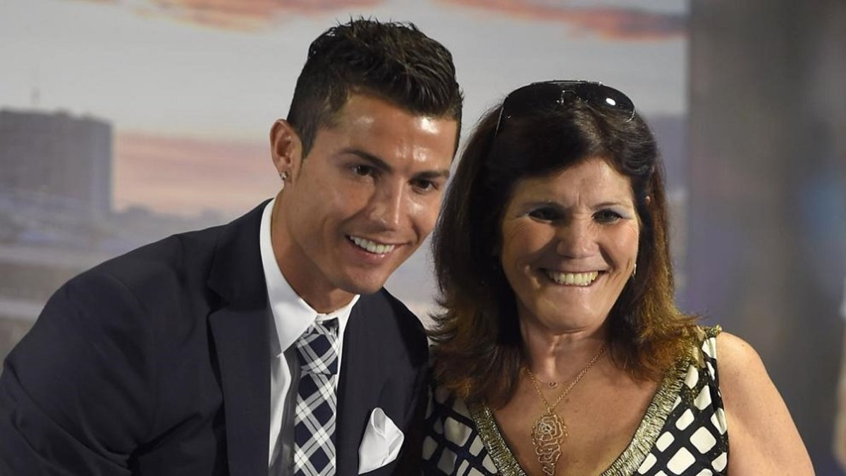 ¿Por qué la madre de Cristiano Ronaldo dejó...