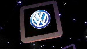 Volkswagen se asocia con Siemens para su nube industrial.