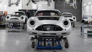 Aston Martin DB4 Zagato Continuation en fase de producción.