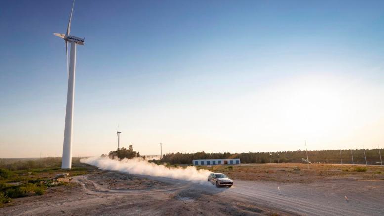 Vuelta completa del Porsche Cayenne Turbo S E-Hybrid en el trazado sueco.