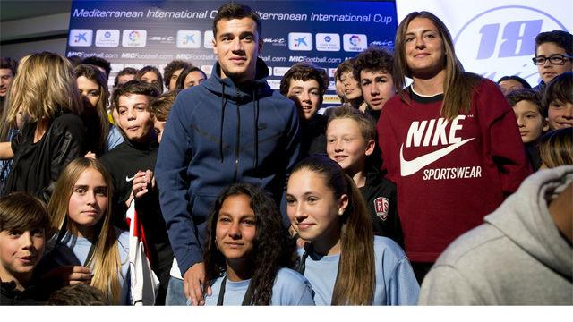 Coutinho y Alexia fueron las estrellas en la presentación del MIC18