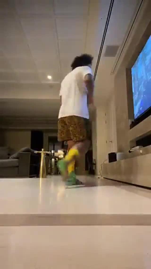 Este es el baile que se ha marcado Marcelo en su casa este domingo