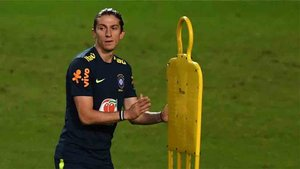Filipe Luis interesa al Olympique Lyon