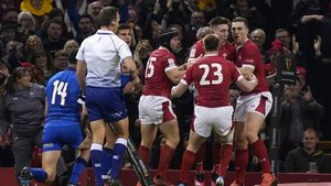 Gales celebra una de las acciones ante Italia
