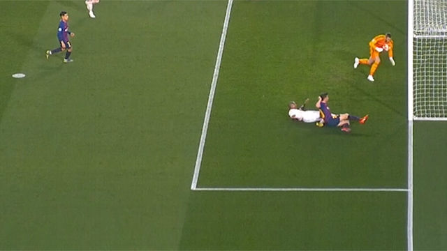 De Gea evitó con la cara el gol de Sergi Roberto tras un jugadón de Messi