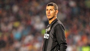El Inter apostó por Toldo, siete años mayor que Buffon, en el verano de 2001