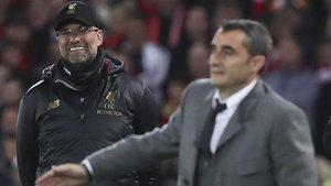 Jürgen Klopp, muy feliz, le ganó claramente la partida a Ernesto Valverde
