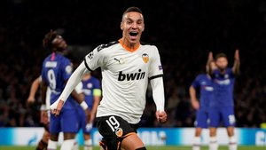 Rodrigo anotó el gol del triunfo en Stamford Bridge