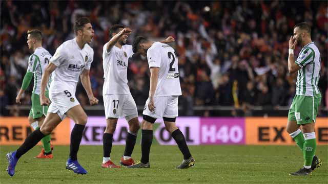 Rodrigo elimina al Betis y envía al Valencia a la final
