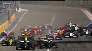 La salida del Gran Premio de Rusia ha sido muy accidentada