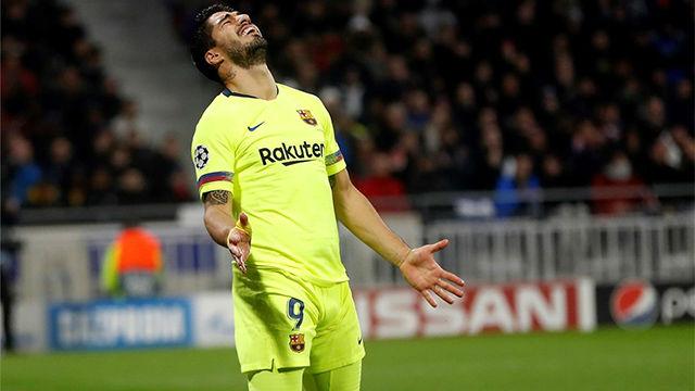 Suárez sigue con su gafe en Champions: El charrúa volvió a fallar todo lo que pudpo y más