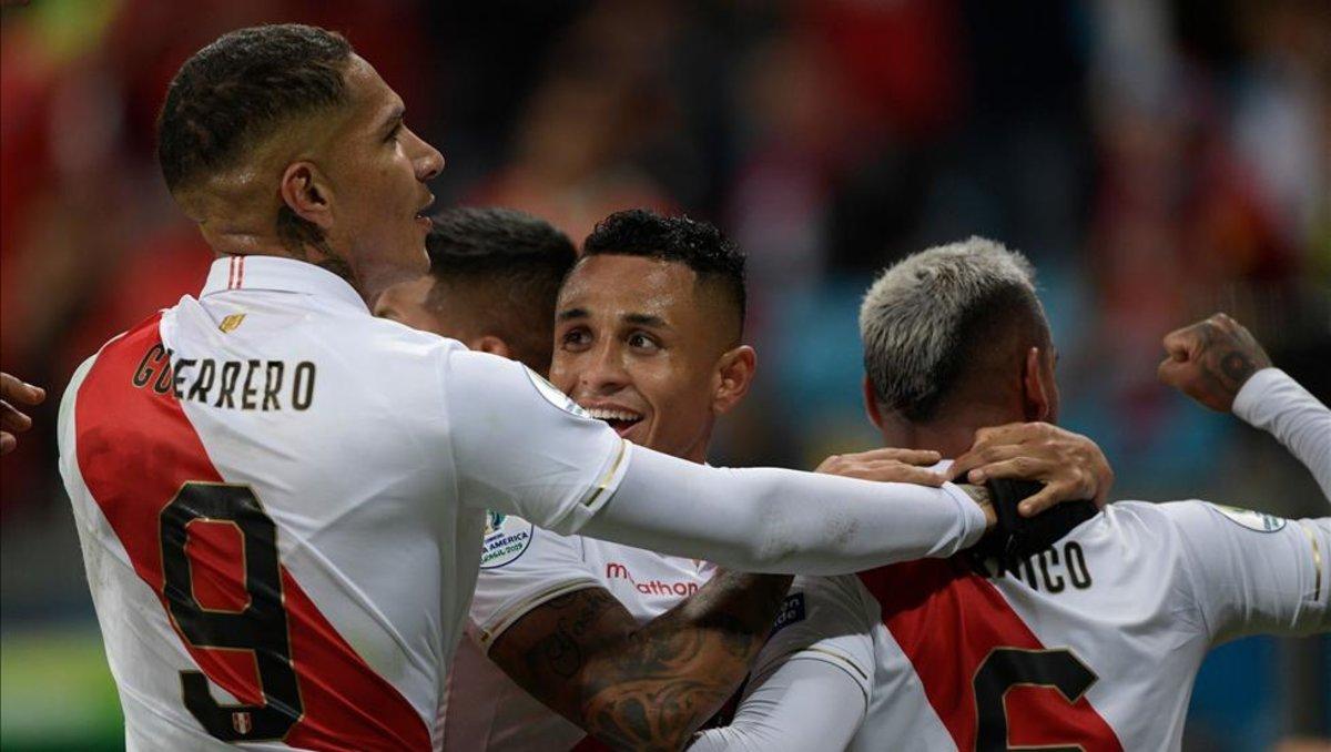Resultado de imagen para Perú goleó a Chile y es finalista de la Copa América después de 44 años