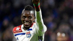 Bertrand Traoré celebra un tanto con el Lyon