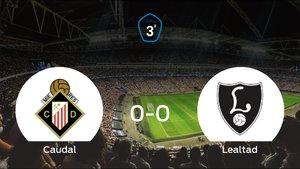 El Caudal Deportivo y el Lealtad Villaviciosa empatan a cero en el Estadio Municipal Hermanos Antuña