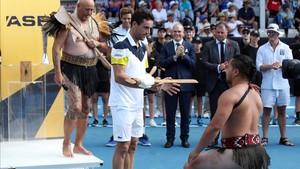 Ceremonia simbólica con los aborígenes para celebrar un gran triunfo