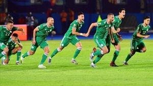 Explosión de júbilo en los jugadores argelinos