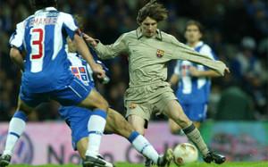 Leo Messi con Pedro Emanuel en el Porto - FC Barcelona amistoso de  inauguración del Estadio af3a8602c3074