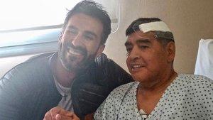 Maradona, tras superar la operación de un hematoma subdural en el cerebro