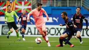 Messi marcó los dos goles azulgranas de la primera mitad