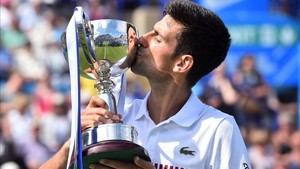 Novak Djokovic ganó el título a las puertas de Wimbledon
