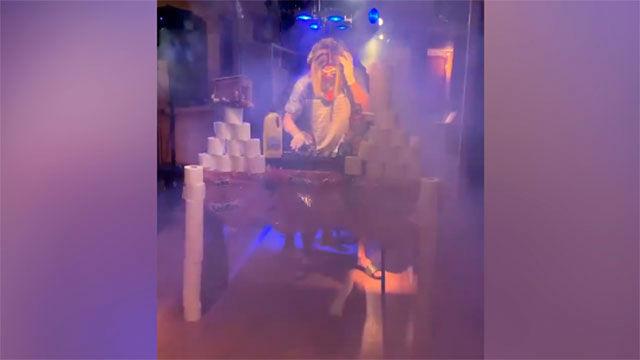 No te pierdas la discoteca que ha montado Theo Hernández en su propia casa