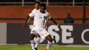 Rodrigo, en una acción con el Santos