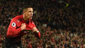 Alexis Sánchez desató la locura en Old Trafford tras culminar la remontada