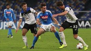 Atalanta y Nápoles se enfrentan en un partido muy abierto