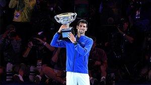Djokovic levantando el título en la pasada edición