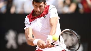 Djokovic lució revés en el Foro Itálico de Roma