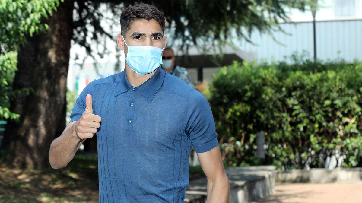Expectación con Achraf en su llegada al reconocimiento médico con el Inter