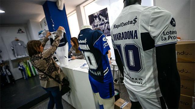 Gimnasia y Esgrima La Plata está listo para recibir al huracán Maradona